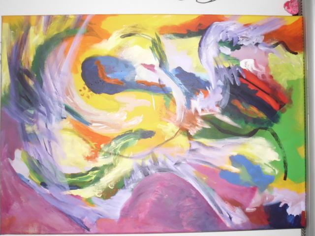 Door een andere ruimte een schilderij