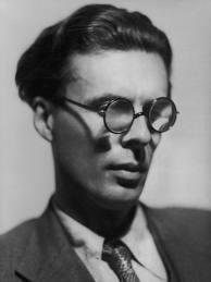 Aldous Huxley met bril
